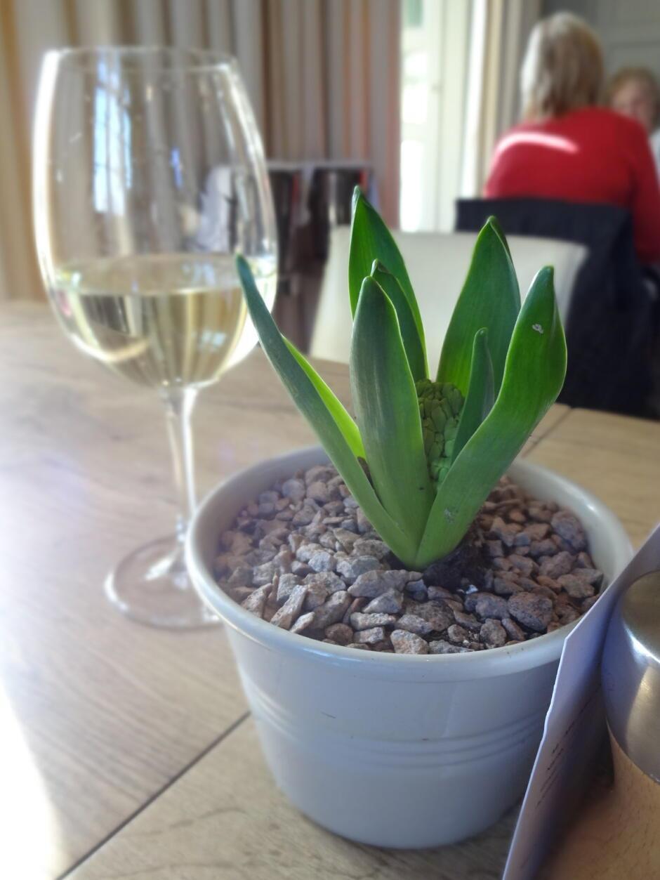 barnsley house table flower