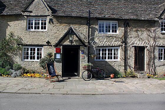 英国アンティークス・オフィシャルブログ-Old Swan